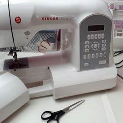 usando-la-maquina-de-coser-singer-curvy-en-mi-trabajo